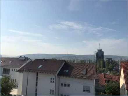 Neu renovierte 4-Zimmer-Dachgeschosswohnung in Stuttgart-Nord