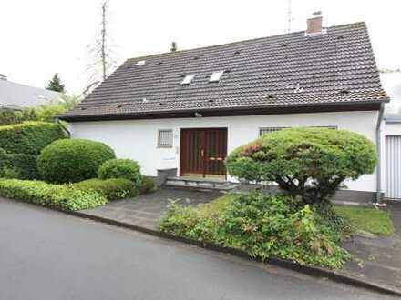 2-Parteienhaus mit viel Potenzial in begehrter Lage von Rodenkirchen