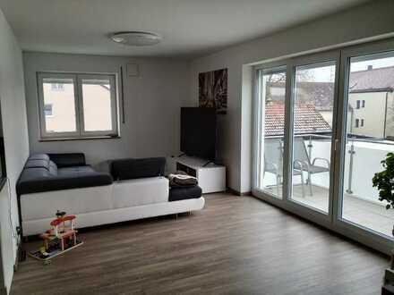 Exklusive, neuwertige 4-Zimmer-Wohnung mit Balkon und Einbauküche in der Nähe von Ingolstadt