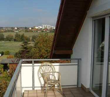Helle, sehr ruhige 3-Zimmer-Komfortwohnung mit großem Balkon