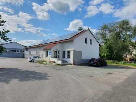 Zentral gelegene Gewerbehalle in Kohren - Sahlis zu verkaufen.
