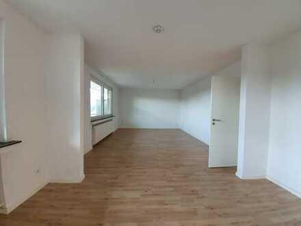 Großzügige 3,5 Zimmer Wohnung mit 2 Balkonen