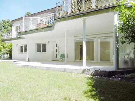 Sehr schöne Wohneinheit auf Terrassen-Ebene in ruhigem Haus mit separatem Eingang zu vermieten