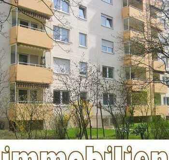 Günstig geschnittene Wohnung mit Westbalkon