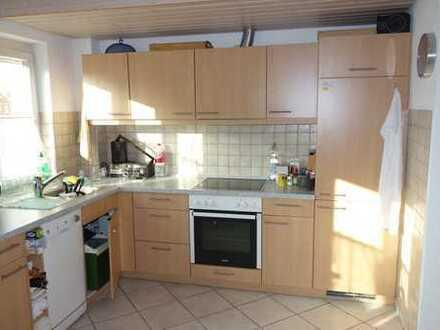 Gepflegte 2,5-Zimmer-Wohnung mit Balkon und EBK in Reutlingen-Altenburg