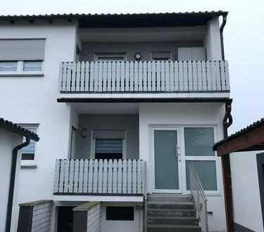 Renovierte 3-Zimmer-EG-Wohnung mit Balkon in Kronau von Privat