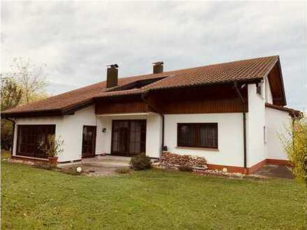 RE/MAX - Wohnen und Arbeiten - Großes Haus mit großem Garten