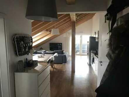 Hochwertig ausgestattete 2 Zi. Dachgeschosswohnung in 64354 Reinheim