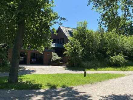 Herrlich repräsentatives und sehr großzüges Einfamilienhaus in traumhaft ruhiger Wohnlage am See!