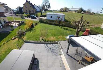 Preiswerte 4-Zimmer-EG-Wohnung mit Garten in Naunheim
