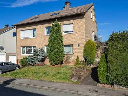Dachgeschoss Wohnung in Dreifamilienhaus in gefragter Lage in Arnsberg-Herdringen!