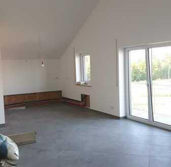 Erstbezug: attraktive 4-Zimmer-Wohnung mit Balkon in Schwindegg