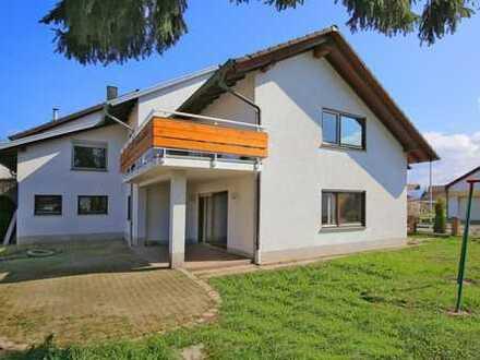 Attraktive Doppelhaushälfte mit Sonnengarten in ruhiger Lage!