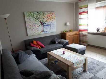 helle, Wohnung im 1. OG, drei Zimmer-Küche-Bad-Balkon