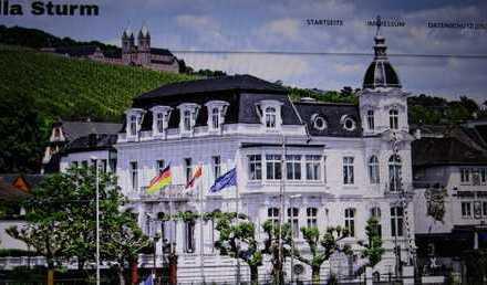 Wunderschöne Erstbezug-Dachwochnung in der sanierten Villa Sturm mit Aufzug von privat