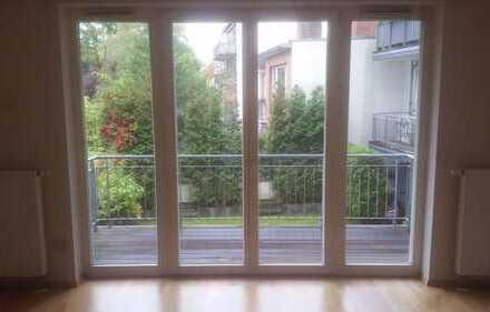 3-Zimmer-Wohnung mit 2 Balkonen und integrierter Einbauküche in Hamburg-Wandsbek