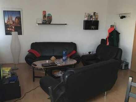 Gemütliches 35 m² Zimmer in netter 9er-WG