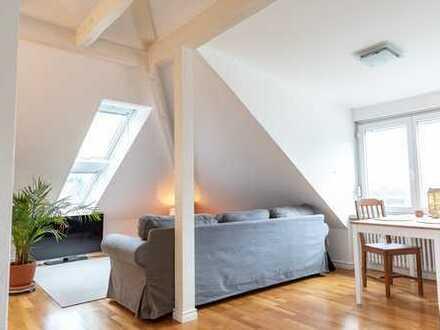 Traumhafte 2-Zimmer-Dachwohnung in exklusiver und sonniger Halbhöhen-Aussichtslage