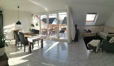 Traumhafte 3-Zimmer Wohnung mit EBK und Dachterasse