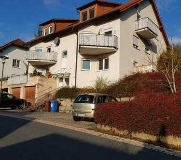 Günstige, gepflegte 2-Zimmer-EG-Wohnung mit Balkon und Einbauküche in Niederstetten