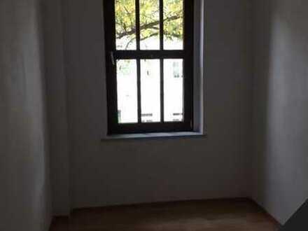 Hübsche Dachgeschosswohnung 2+2 im Bernburger Zentrum