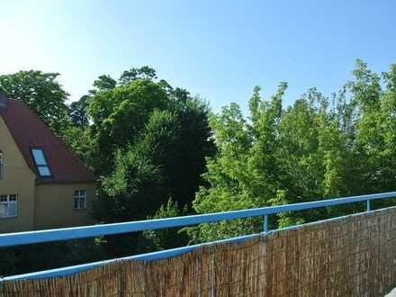 RESERVIERT - Schöne 2-Zimmer-DG-Wohnung im Musiker-Viertel von Babelsberg