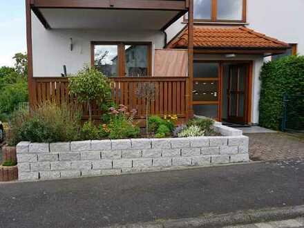 ARNOLD-IMMOBILIEN: Schöne Wohnung im Erdgeschoss mit Stil...