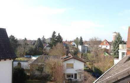 BIETERVERFAHREN!!! Große helle 4 Zimmer Wohnung mit Balkon und Ausblick