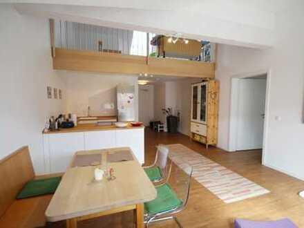 Traumhafte 2,5-Zimmer-Galeriewohnung im Zentrum von Obertraubling! Frei ab sofort!