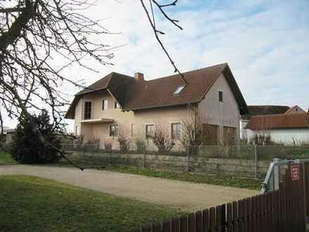 Großes Haus mit ausgebauten Nebengebäude in sonniger Randlage !