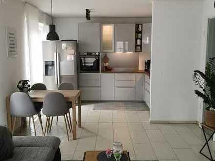 930 € - 67 m² - 2.5 Zi.