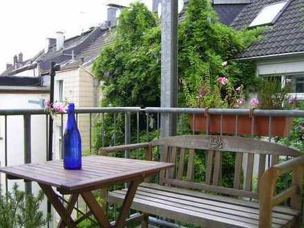 Mit Dielenboden, 3 Zimmer KDB Balkon, 78 m², Küchenmöbel/ Gräte vorhanden