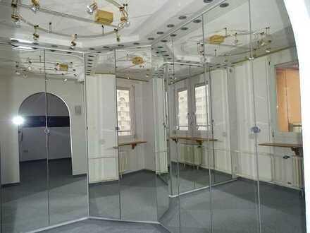 Stilvoll wohnen mit Ankleidezimmer - schicke 5-Zimmer-Wohnung in Waldrandnähe Sindelfingen