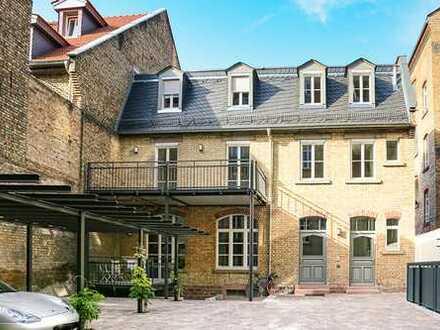 Charmante Maisonette-Wohnung mit Loft-Charakter in saniertem Altbau (Hinterhaus), zentrale Toplage