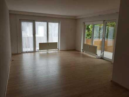 Gepflegte Wohnung mit drei Zimmern und Balkon in Bad Kreuznach