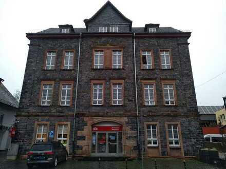 Einzelhandel und Büro/Praxis im alten Rathaus zu Gedern
