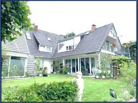 Schönes Ein- bzw. Mehrfamilienhaus mit 4 Wohneinheiten in Bremen-Vegesack