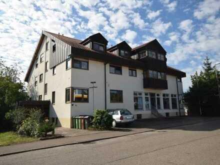 TOP ANGEBOT***Gepflegtes Mehrfamilienhaus mit 4 Wohnungen und Gewerbeeinheit in Benningen