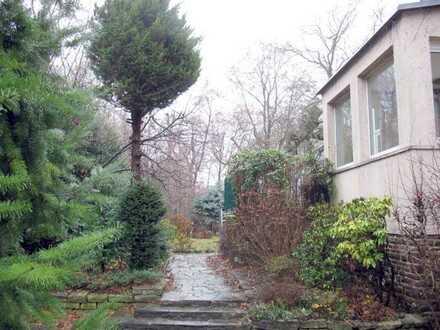 L.-Schleußig-Villenviertel, 1-3 Familienhaus mit Potential in einmaliger Lage am Fluss!