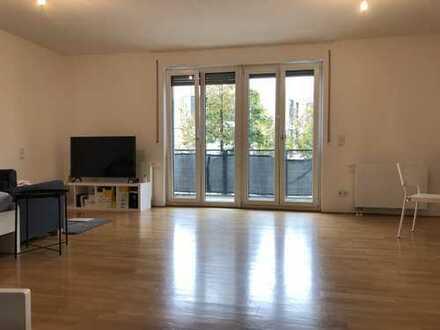 Schöne, geräumige Wohnung in Frankfurt am Main, Bockenheim