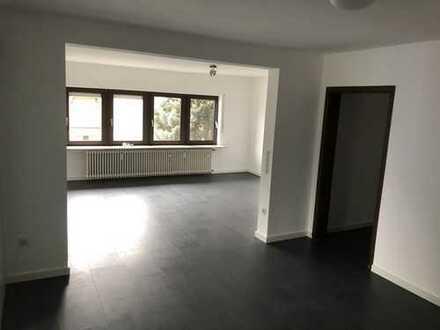 Vollständig renovierte 3,5-Zimmer-Wohnung mit EBK in Limburgerhof