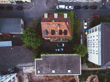 Wohnhaus mit Gewerbeeinheit am Plärrer | Großes Potential | Viele Nutzungsmöglichkeiten