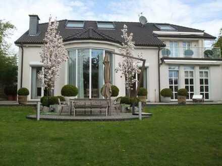Repräsentative Villa in bevorzugter, ruhiger Lage von Düsseldorf