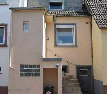 Weilerbach - Liebevoll renoviertes Einfamilienhaus in zentraler Lage