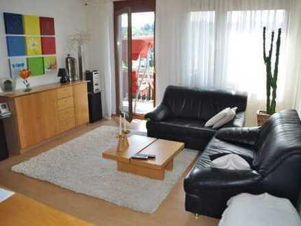 Helle 2-Zimmer-Wohnung mit Ausblick