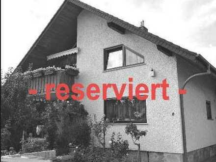 *Frisch modernisierte 3-Zimmer-Maisonette-Wohnung mit tollem Balkon in Mühlheim-Lämmerspiel*