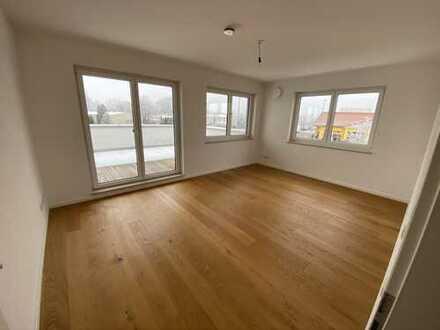 Neuwertige 5-Raum-Wohnung mit exklusiver Dachterrasse