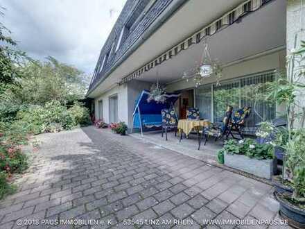 Toplage! Gepflegtes Wohnhaus (2 Wohnungen möglich) mit herrlichem Garten am Waldrand gelegen