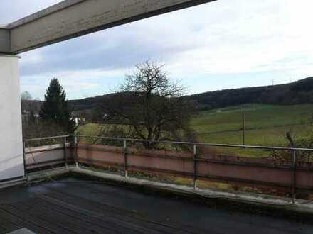 73269 Hochdorf - Ziegelhof: Sehr gepflegtes Terrassenhaus in unverbaubarer Aussichtslage
