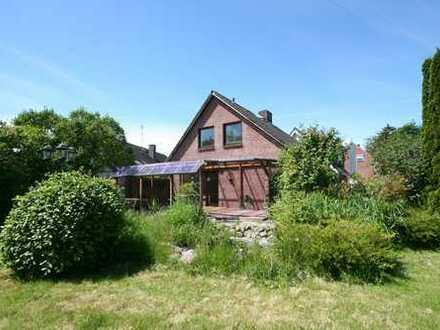 Charmantes Einfamilienhaus in Reinfeld mit Baugrundstück
